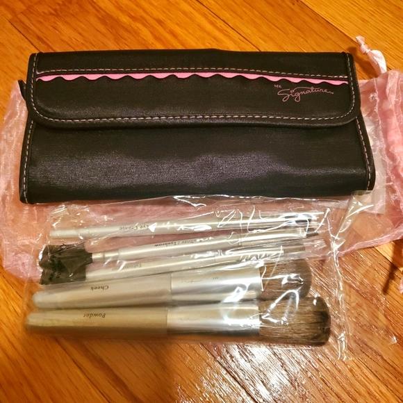 Mary Kay MK signature brush set